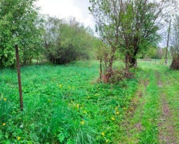EXKLUZÍVNE iba v TUREALITY rozprávkový rekreačný pozemok /710m2/ v tichej časti obce - Dúbrava. CENA: 13 650,00 EUR
