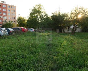 Direct Real - Stav.pozemok 1666 m2 s funkiou 502, asfalt.cesta, akt.UPI, Rača- Šajby, MHD 100 m