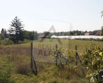 Pozemok na stavbu rodinného domu v Imeli