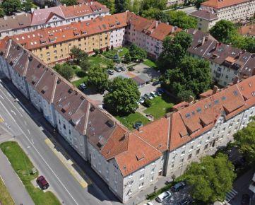 Rozľahlý 4 izbový mezonet 134m2, predaj, malá Praha, Košice – Staré mesto, Letná