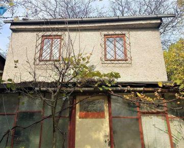 Na predaj chata s elektrinou v katastrálnom území Nižná Úvrať, Výšné Opátske.