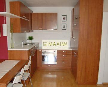 Pekný 3- izbový byt na Mečíkovej ulici na prenájom