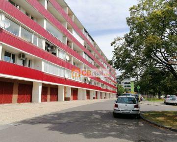 Predaj 4 izbového bytu v Karlovej Vsi. Kempelenova ulica