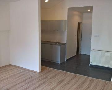 ID: 2506 Prenájom: pekné  kancelárie 45 m2, centrum - Žilina