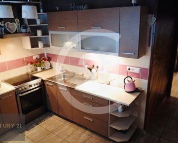 Predaj 4 izbový byt Nitra, skvelé bývanie a super poloha bytového domu