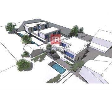 HERRYS - Na predaj investičný pozemok na Kolibe o výmere 1397m2 so všetkými inžinierskymi sieťami a príjazdom z dvoch strán