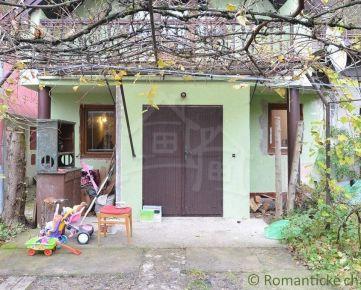 Romantická chata v údolí Želovských pivníc