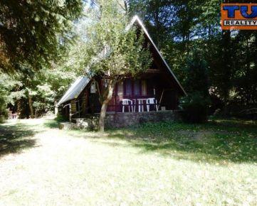 Výhradne u nás! Útulná chatka, zastavaná plocha 54 m2, čiastočná rekonštrukcia, Pezinok - Stupy. CENA: 42 990,00 EUR