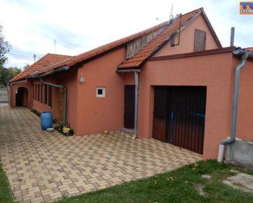 REZERVOVANÉ!!! VÝRAZNÉ ZNÍŽENIE CENY!!! Pekný rodinný dom, 186 m2, garáž, Malé Kozmálovce, Levice. CENA: 88 500,00 EUR