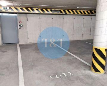 Garážové parkovacie státie v novostavbe v Dúbravke na Agátovej ulici