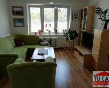 TU CASA, s.r.o.- Ponúkame na predaj 3 izb.slnečný byt v Seredi na Spádovej ul.