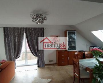 Slnečný, podkrovný byt na Pršianskej terase