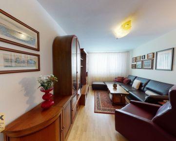 NA PREDAJ priestranný 4 izbový byt s loggiou a garážou vo vyhľadávanej lokalite na ulici Mateja Bela v Trenčíne