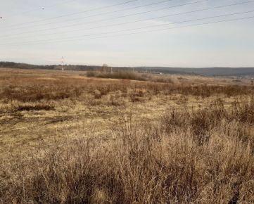Ponúkame na predaj pozemok  v Košiciach v časti Lorinčík.
