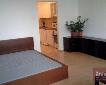 Prenájom 1 - izb. bytu na Škultétyho ul., pri nákupnom centre CENTRÁL