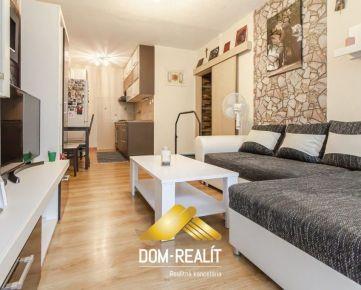 REZERVOVANÝ!!! DOM-REALÍT ponúka 1,5 izbový prerobený byt ul. Budovateľská v Snine