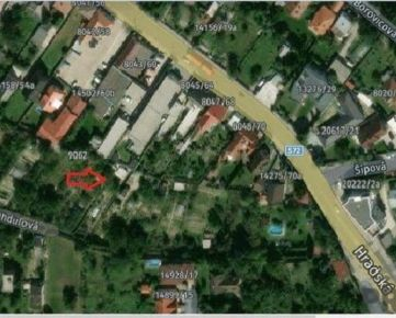 Starší RD vo Vrakuni, pozemok 533 m2 - projekt so stavebným povolením