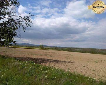 Hľadáme na kúpu ornú pôdu v Bratislavskom kraji.