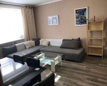 Kompletne zrekonštruovaný 1 izbový byt v blízkosti centra a autobusovej stanice Mlynské Nivy.