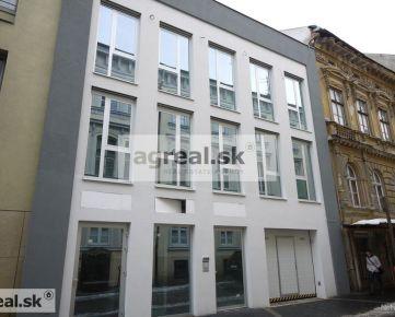 Nebytový priestor vhodný ako apartmán, 135,5 m2 + záhrada s terasou 66,9 m2 novostavba Kozia, bezbariérový