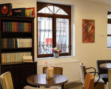 Ponúkame na odstúpenie plne funkčnú, zabehnutú a útulne zariadenú palacinkáreň Tall Boys Café & Crêpes na Štefánikovej ulici v centre Trnavy
