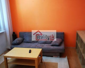 Prenajmem utulny ZARIADENY 1-izb.byt ( prerobeny na 2-izb. ) v Trnave