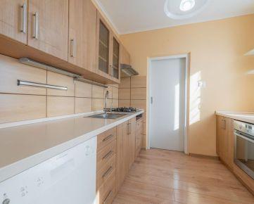EXKLUZÍVNE na predaj 3 izbový byt na Bieloruskej ulici v Podunajských Biskupiciach