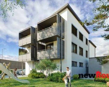 Na predaj 3 izbový byt v novostavbe s úžitkovou plochou 89,16 m2 v tehlovom polyfunkčnom objekte s podielom na záhrade a parkovacím státím.
