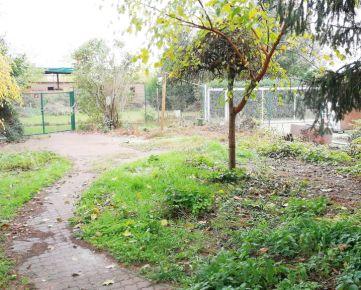 Záhrada s chatkou a domčekom, 555 m2, Podunajské Biskupice, Bratislava