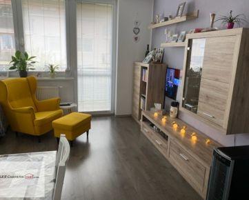 Rezervované - K&R CARPATIA-real * Moderný a priestranný - 3i byt - 80 m2 - vo Vila dome s parkovacím státim