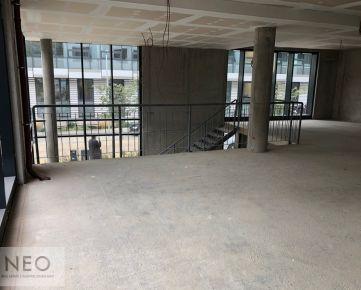 NEO - nadštandardný obchodný priestor v Starom meste v komplexe Zuckermandel