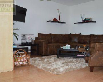 Ponúkame na predaj veľký rodinný dom v obci Ždaňa
