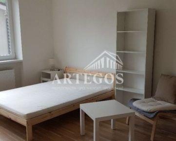 1 izbový byt v Novom Meste