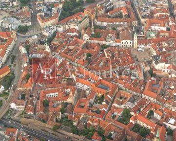 Súrne hľadám 3-izbový byt Bratislava - Staré mesto do 350 000€