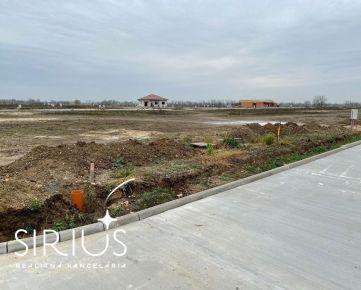 NEW! SENEC – stavebný pozemok 637 m2 v projekte JUŽNÁ BRÁNA, všetky INŽINIERSKE SIETE