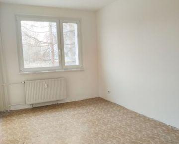 Predám svetlý 2izbový byt s balkónom, Nová Dubnica