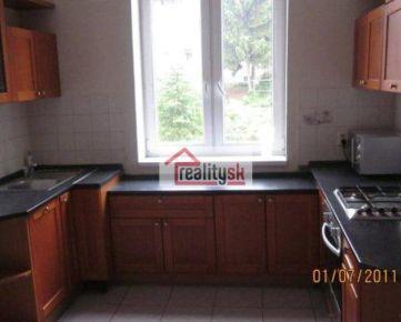 Prenájom 3 izbovy byt  Žilina centrum 130 m2 ,logia, ulica Republiky