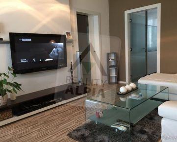 Prenájom - 3 izbový slnečný byt na Tehelnej ulici v Trnave