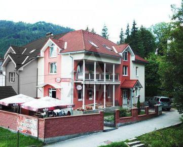 Penzión v úplnom centre obce Lúčky na predaj