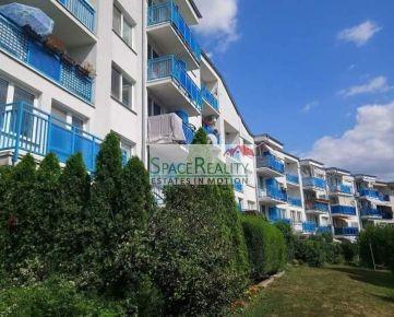 Predáme 2 izb byt s predzáhradkou na Podunajskej ulici
