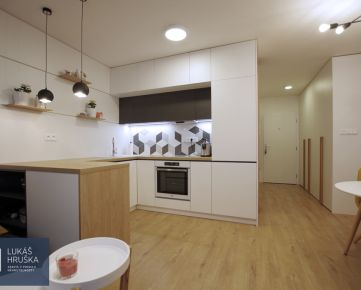 1-izb. dizajnový byt s lodžiou, výborná lokalita