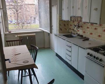 Ponúkame Vám na predaj priestranný 1 izbový byt Bratislava Ružinov - Mileticová ulica.