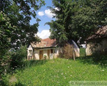 Menší dom s veľkou záhradou vhodný na chalupu v peknom prostredí blízko Čakanoviec