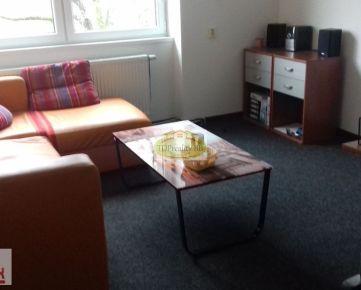 Kancelárske priestory, služby - 17 m2 a 39 m2, Horná ul. Banská Bystrica - 2 samostatné kancelárie - centrum !!