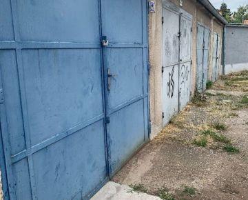 --PBS-- NA PREDAJ murovaná garáž 17 m2 na ulici Jána Hajdóczyho