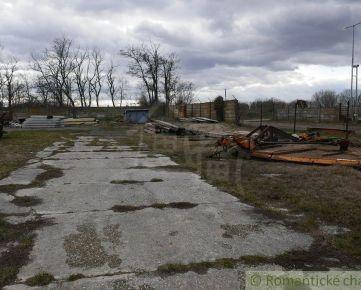 Stavebný pozemok na podnikateľské účely v okrajovej časti obce Čataj, 8 km od Senca