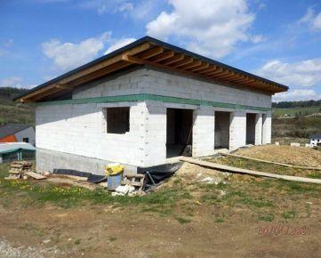 Na predaj hrubá stavba rodinného domu v Hornom Lieskove okr. Pov. Bystrica