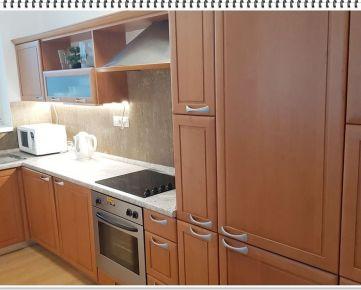 ID: 2428  Prenájom: nový 3 - izbový luxusný byt.