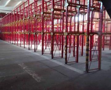 VYKUROVANÝ SKLADOVÝ PRIESTOR -  3,50 € /m2/ mesiac !!! Ľahký prístup z Prístavného mosta. + Parkovanie priamo v areáli!