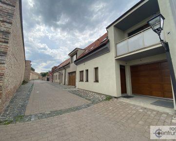 6 izb. - RD Michalská ulica - historické centrum - hradby